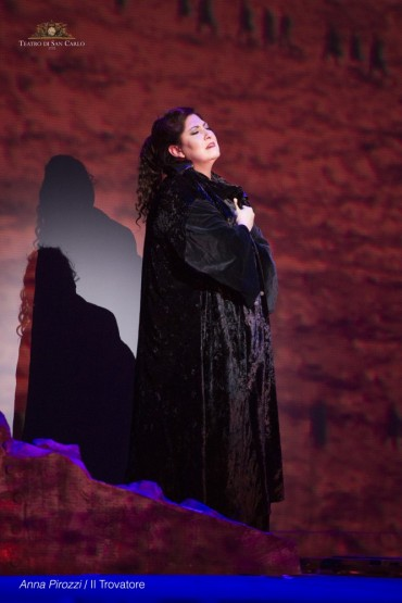 Anna-Pirozzi-in-Il-trovatore-at-Teatro-san-Carlo-Naples-photo-by-Francesco-Squeglia